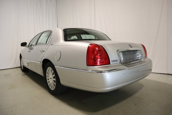 2004 Lincoln Town Car Ultimate In